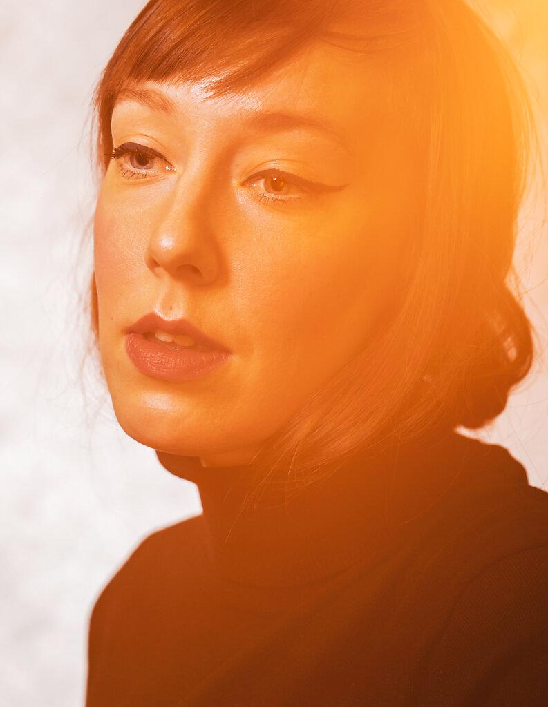 Suomen Kuvalehti, 2020. Poet Aura Nurmi.